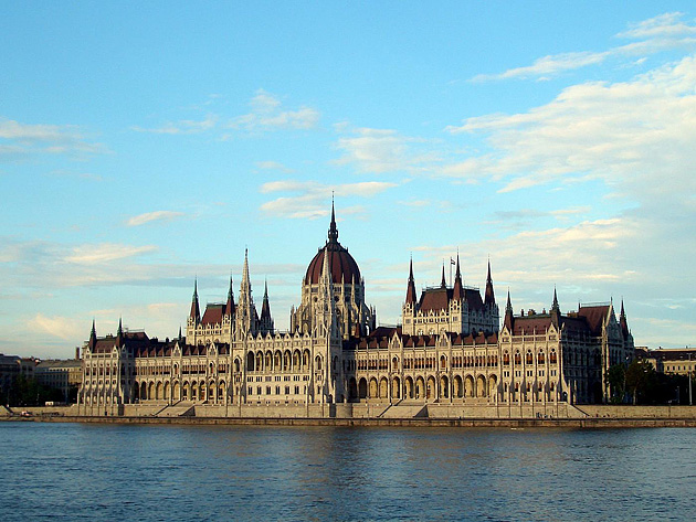header image for great architecture, food, shopping, and baths in budapest